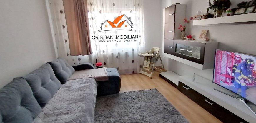 Apartament 3 camere decomandat, Cetate-Spital, etajul 1
