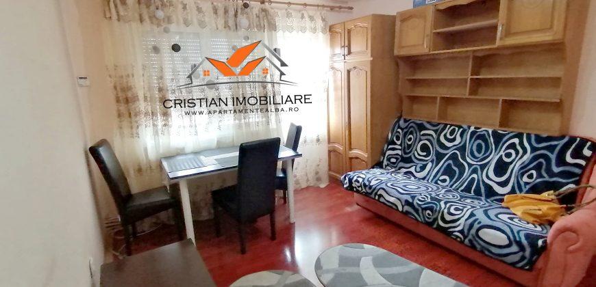 Apartament 2 camere, Cetate zona Bulevard, etaj intermediar