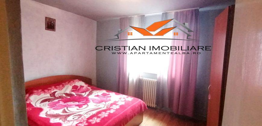 Apartament 3 camere, etajul 2, Cetate-Piata!