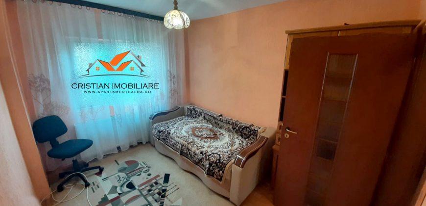 Apartament 4 camere 80 mp, Cetate-Mercur, etajul 3