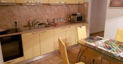 Apartament 3 camere decomandat, Centru, etaj 1
