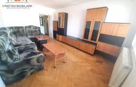 Apartament 3 camere decomandat, Centru, etaj intermediar