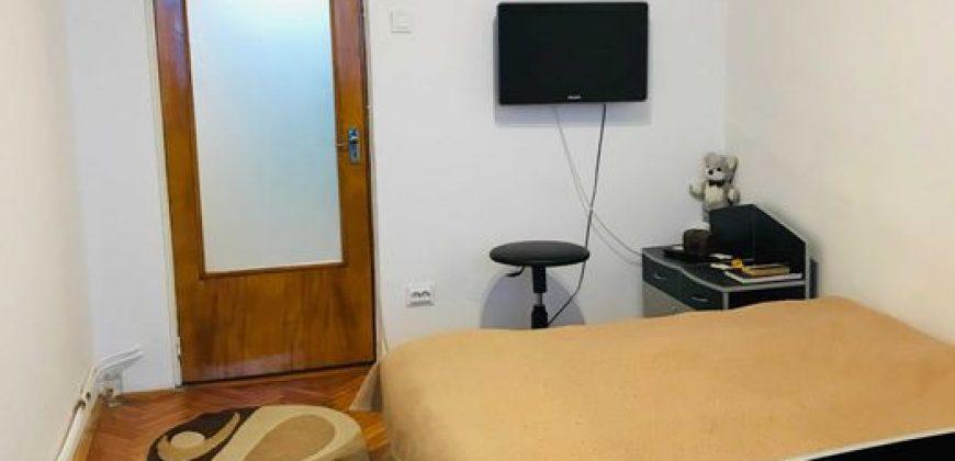Apartament 3 camere decomandat, finisat, Cetate