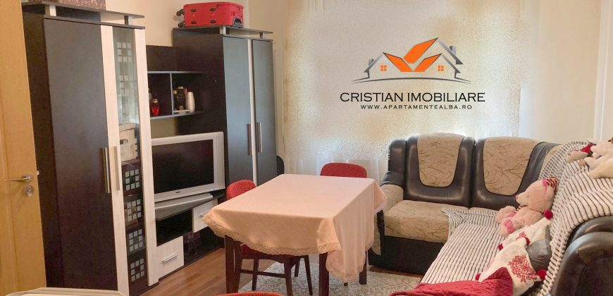 Apartament 2 camere decomandat, Cetate – Mercur