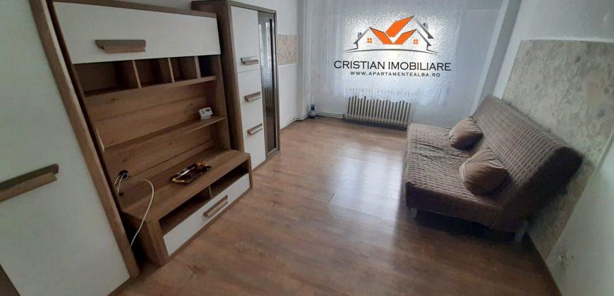 Apartament 3 camere Cetate-Mercur, mobilat complet