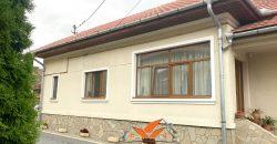 Casa renovata cu 1200 mp teren, Centru, zona Garii
