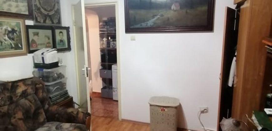 Apartament 3 camere, Cetate-Bulevard, etajul 1