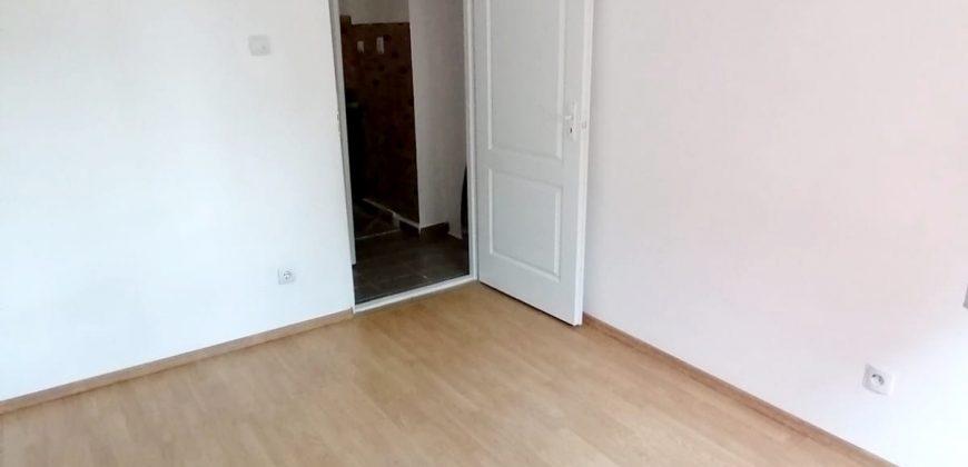 Apartament 2 camere decomandat, Cetate-Spital, parter cu balcon