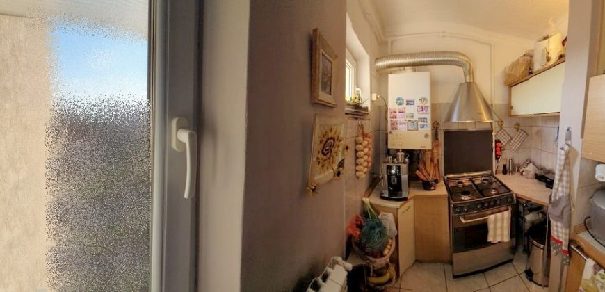 Apartament 3 camere decomandat, Cetate-Liceul Sportiv