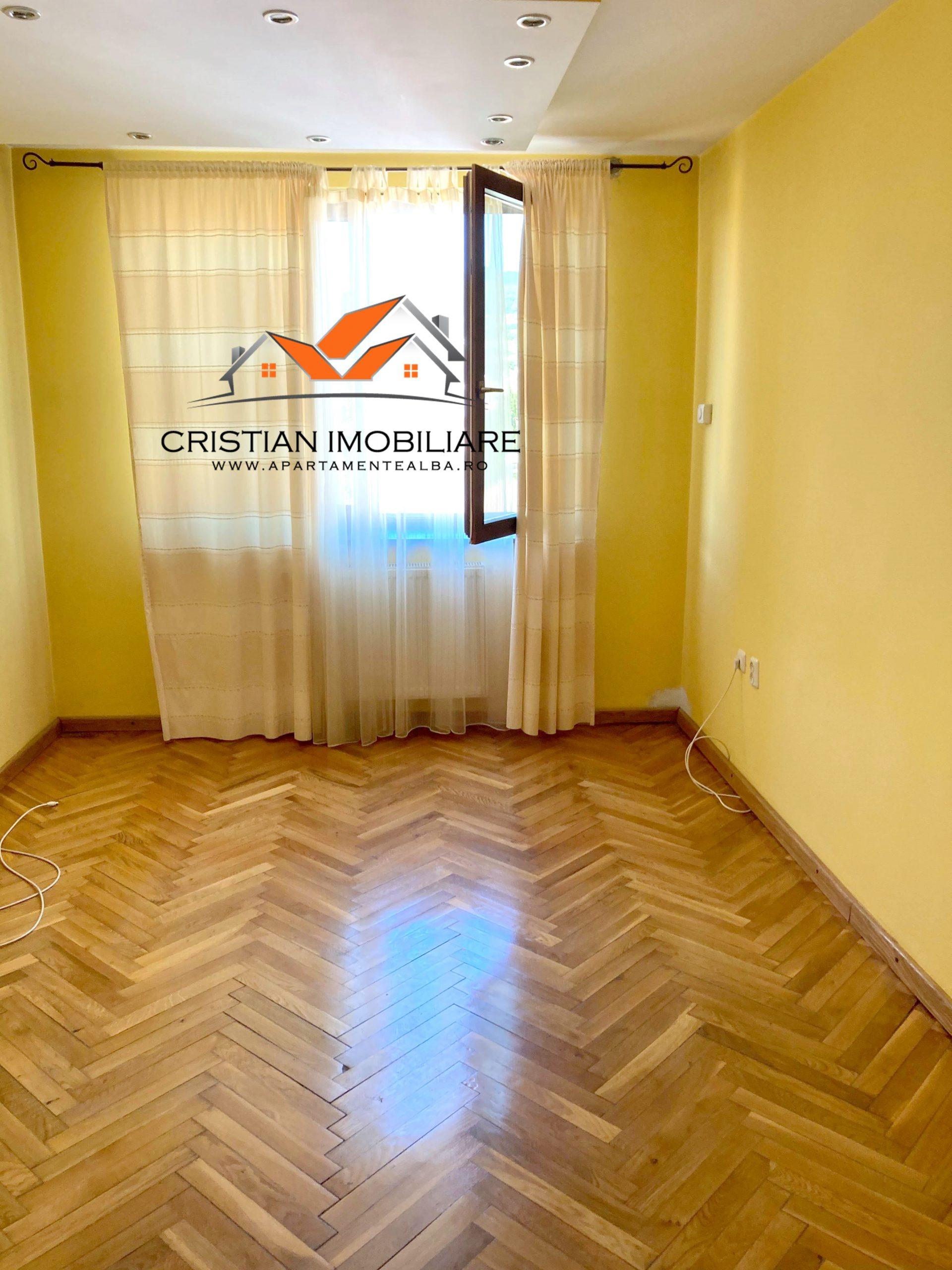 Apartament 2 camere decomandat, finisat, etaj 3, foste proprietati, Cetate