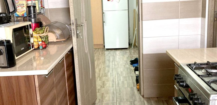 Apartament 2 camere decomandat, finisat, etaj intermediar, Cetate
