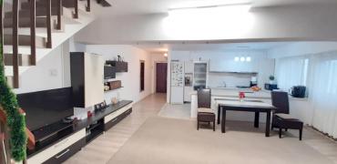 Apartament 3 camere 95 mp, boxa si garaj, Centru